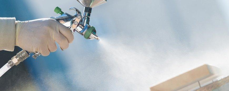 Ekologiczne materiały pokryciowe do mebli a wyroby rozpuszczalnikowe